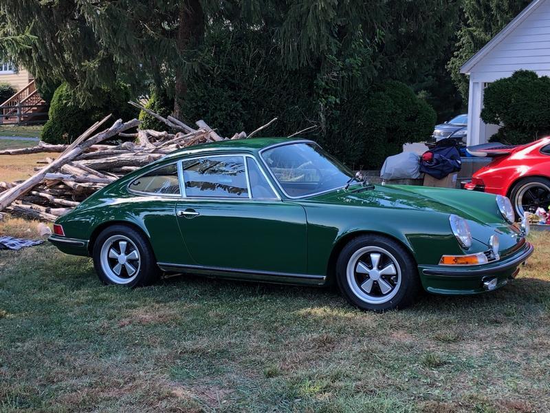 PCA Garage - 1971 911S Porsche