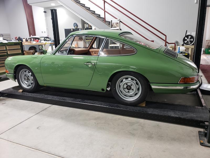 PCA Garage - Leaf Green 1967 Porsche 912 Porsche