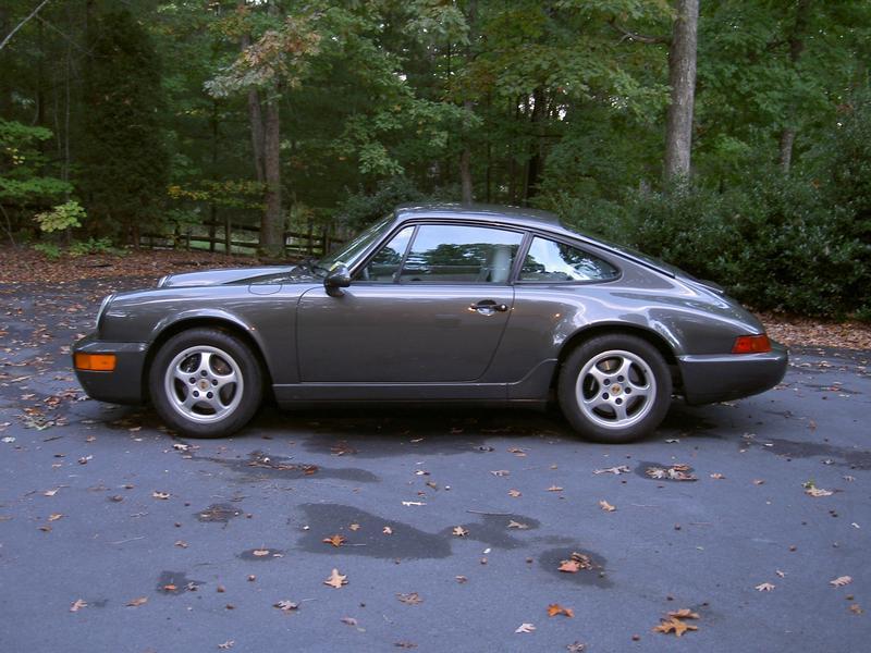 PCA Garage - Slate grey met 1992 911 Carrera 2 Porsche