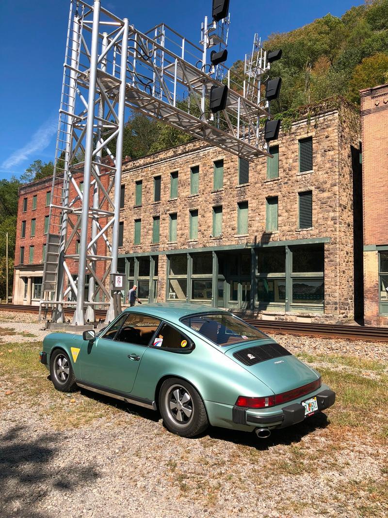 PCA Garage - Ice Green 1976 911S Porsche